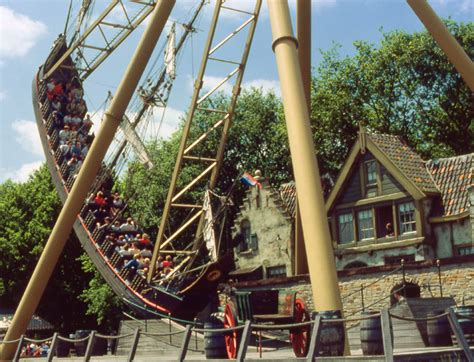 efteling largest theme park in the netherlands