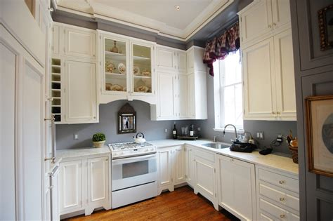 ideas for top of kitchen cabinets kitchen cabinet color ideas with white appliances top