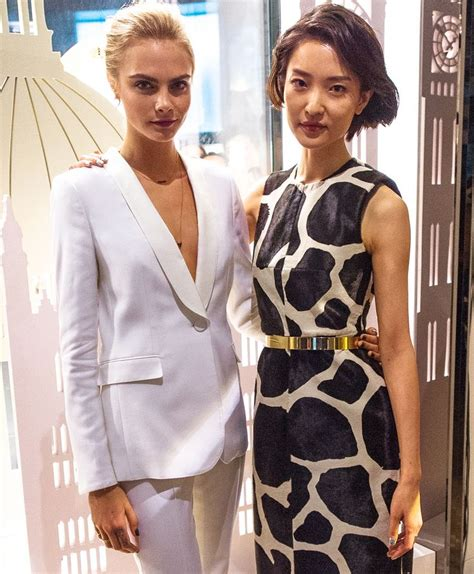 cara delevingne white suit models cara delevingne and du juan wearing burberry at the