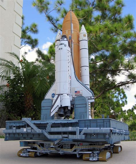 Space Shuttle Papercraft - papercraft space shuttle from axmpaperspacescalemodels