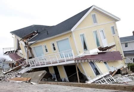 hudson house lbi 12 most shocking images of sandy destruction hurricane sandy damage hurricane damage oddee