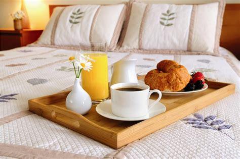 coccole a letto colazione a letto coccole a colazione