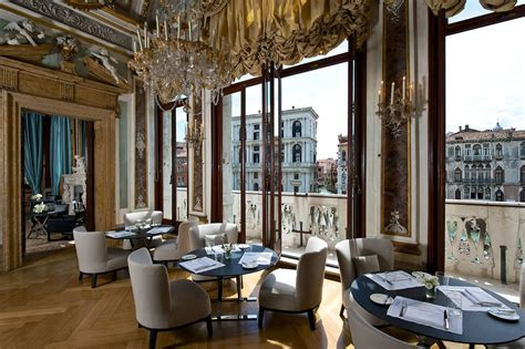 expensive luxury hotels   world