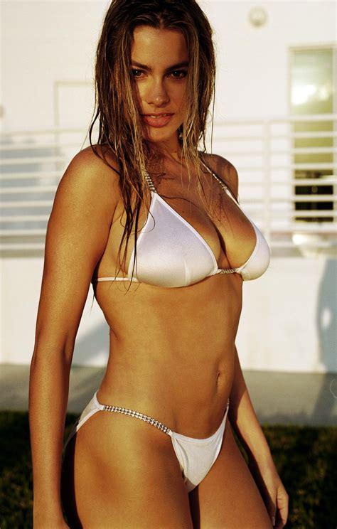 Sofia Vergara Bikini Pictures Show Cameltoe