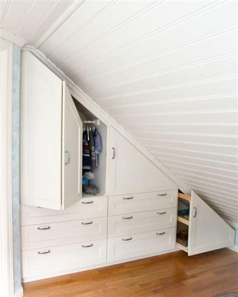 schrank dachschräge einbauschrank f 252 r dachschr 228 ge freien raum optimal ausnutzen