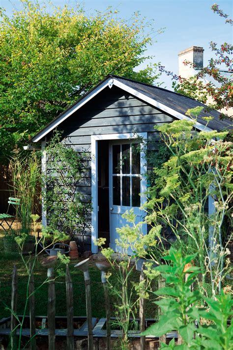 cabane a jardin une cabane de jardin en bois