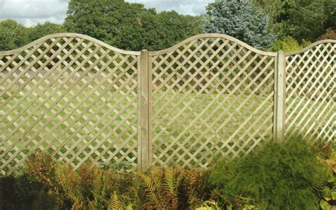 Trellis As A Fence Wood Trellis Fences The Norlap Fencing Company In