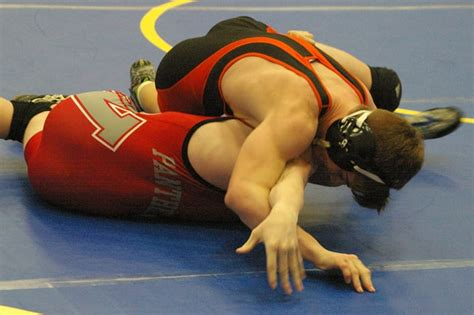 ohsaa sectional wrestling 9 versailles wrestlers advance to ohsaa district