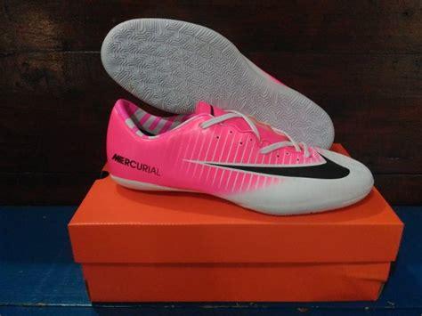 Sepatu Olahraga Pria Nike Futsal Mercurial Combi Pink Bagus Murah jual sepatu futsal komponen gread ori nike mercurial pink putih di lapak rumah asc aguscenter16