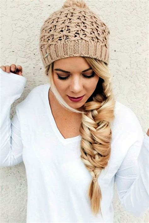 Hairstyles For Hat by Best 25 Beanie Hairstyles Ideas Only On