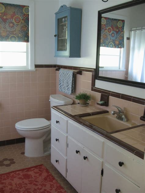 peach bathroom ideas retro bathroom 50s bathroom peach tile with reddish