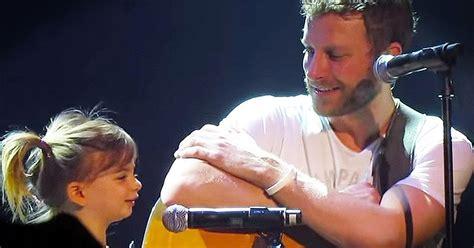 dierks bentley daughter country star dierks bentley brings daughter on stage to