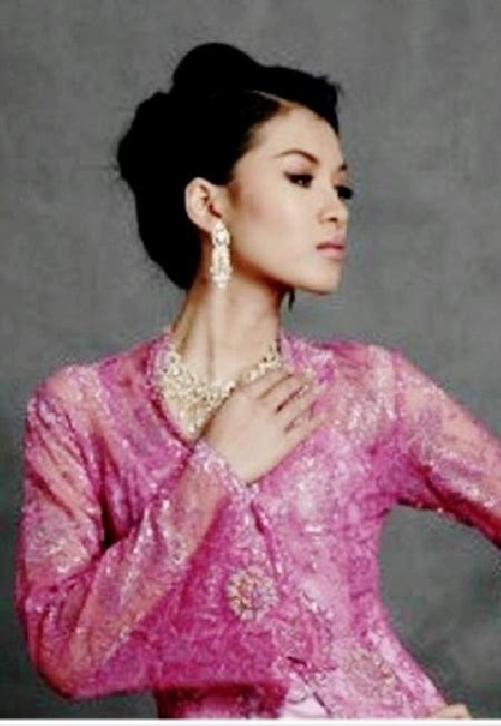 Syuhada Syar I model profile syuhada