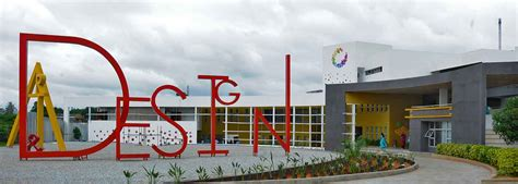 vogue institute and best art and design college