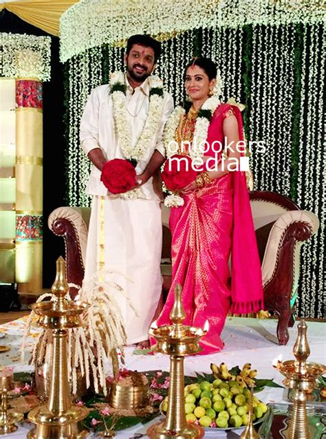 Wedding Photo Stills by Shivada Nair Wedding Stills Photos Marriage Reception