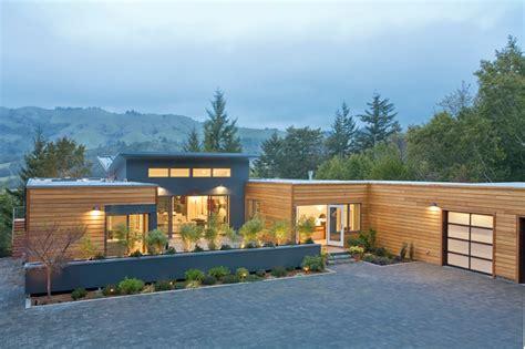 breezehouse homes modern exterior