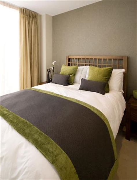 Brown And Green Bedroom by Green Color For Room Decorating Inspirations For
