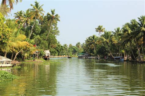 houseboat colour experience the amazing colours of kerala backwater in