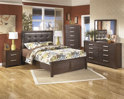cheap bedroom furniture chicago aleydis 4 piece panel bedroom set in replicated oak grain