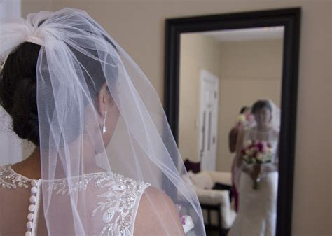 Wedding Hairstyles Updos With Veil by 10 Fabulous Updo Hairstyles With Bridal Veil Everafterguide