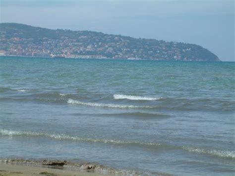 spiagge porto santo stefano spiaggia e vista di porto santo stefano foto di tombolo