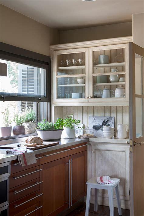 cocinas muebles decoracion diseno blancas  pequenas elmueble