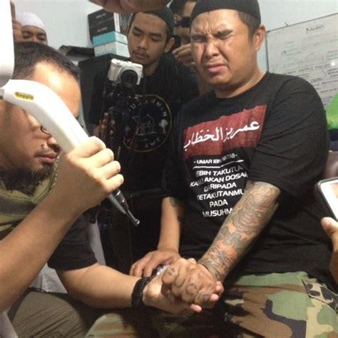 tattoo itu haram hapus tato bayar hafalan surat al quran acara ini
