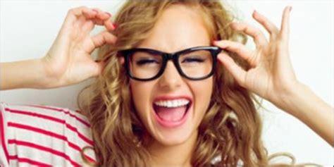 Make Up Yang Lengkap tips make up lengkap dan mudah buat wanita berkacamata merdeka