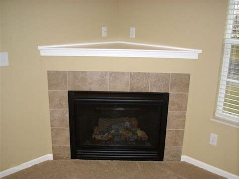 Fireplace Tile Ideas Pictures by 1000 Ideas About Corner Fireplace Mantels On