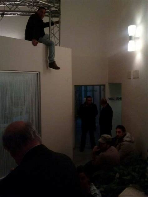sede nazionale pd i bros occupano a roma la sede nazionale pd 1 di 5