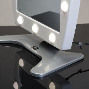 specchi ingranditori illuminati specchi da trucco