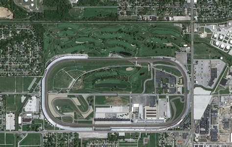 Rev It Up At Indianapolis Motor Speedway by What S Bigger Indy Motor Speedway Or Big 10 Football