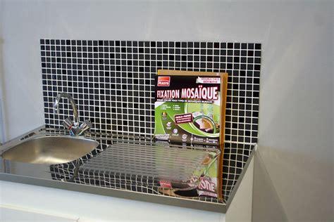 cr馘ence de cuisine autocollante mosaique autocollante pour cuisine maison design bahbe com