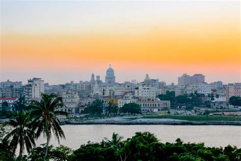 air bnb in cuba airbnb expands to cuba but there will be challenges