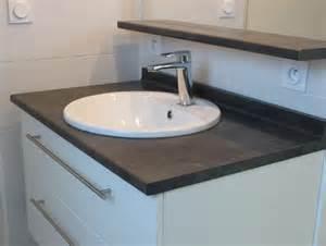 un meuble noir et blanc sobre et classique atlantic bain