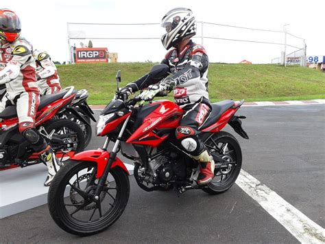Kaos Cb150r Cb150r Streetfire Honda trail and rider telly buhay honda cb150r streetfire soon in the philippines