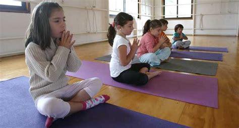 imagenes de yoga para bebes yoga para ni 241 os entretenci 243 n para ni 241 os