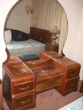 Waterfall Bedroom Furniture Value What S It Worth Appraisal For Waterfall Bedroom Set