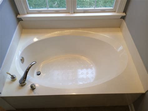 Cost Of A New Bathtub by 2017 Bathtub Refinishing Cost Tub Reglazing Cost
