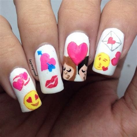 imagenes uñas pintadas sencillas 5 fotos de u 241 as emoji whatsapp 2015 u 241 as pintadas f 225 ciles