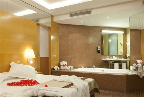 rooms with jacuzzis suite rooms hotel sb icaria barcelona official