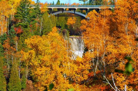 fall colors minnesota see minnesota s fall foliage on this colorful 2016 road trip