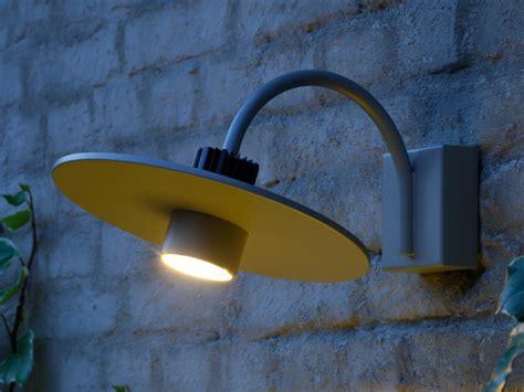illuminazione prato lada da parete a luce diretta in alluminio prato by