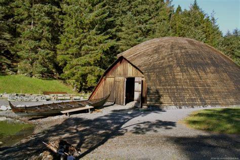 viking boat house leidangsnaust vikingskip vikinggarden avaldsnes krigsskip viking