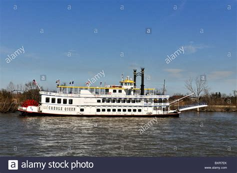 creole boat creole queen paddlewheel boat mississippi river new