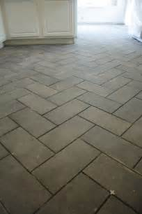 the gallery for gt herringbone tile pattern 12x24