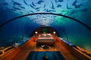 Great Room Suite Mandalay Bay - amazing underwater hotel suite techeblog