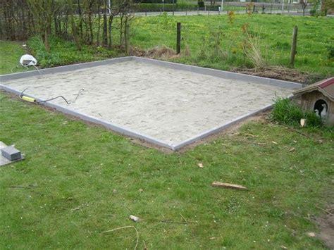 beton laten storten voor tuinhuis fundering blokhut halve parasol