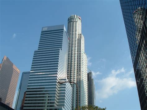 us banker file us bank tower figueroa jpg wikimedia commons