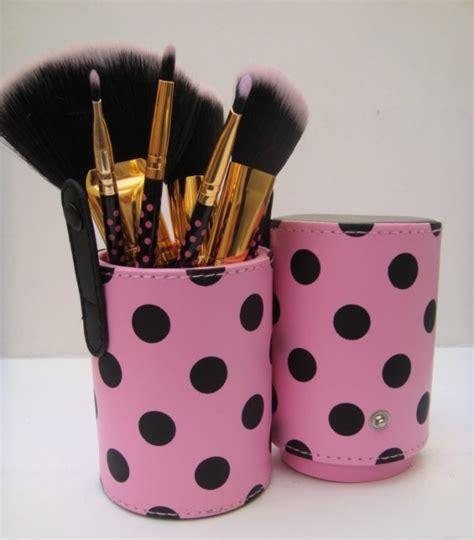 Bh Cosmetics Pink A Dot Brush bh cosmetics 11 pieces pink a dot brush set review